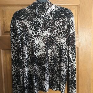 Animal print turtle neck by Investments size 1x.